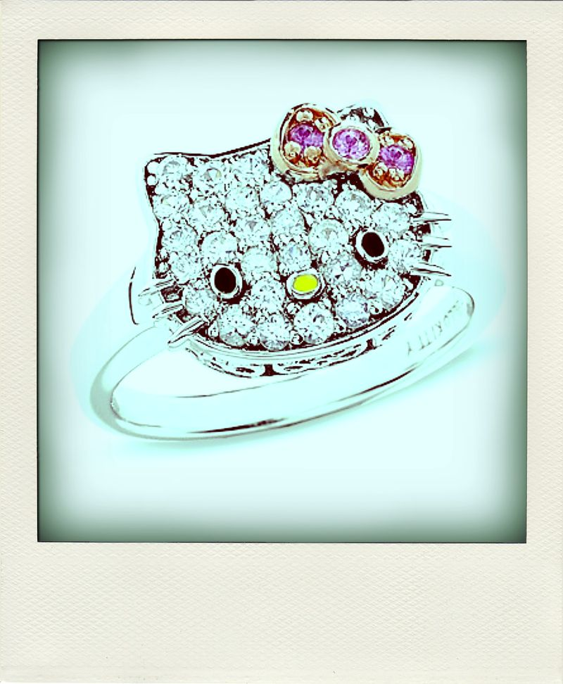 hello kitty. Ring-pola